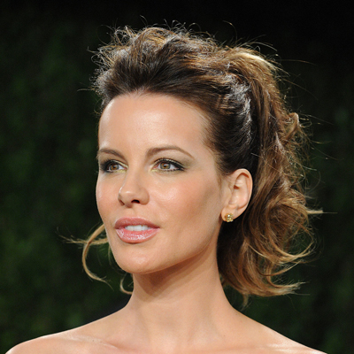 Vanity-Fair-Oscar-party-Kate-Beckinsale-pulled-her-bangs-back